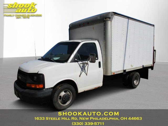 """Used 2003  Chevrolet Express Cutaway 3500 139"""" Chassis C7A DRW at Shook Auto Sales near New Philadelphia, OH"""