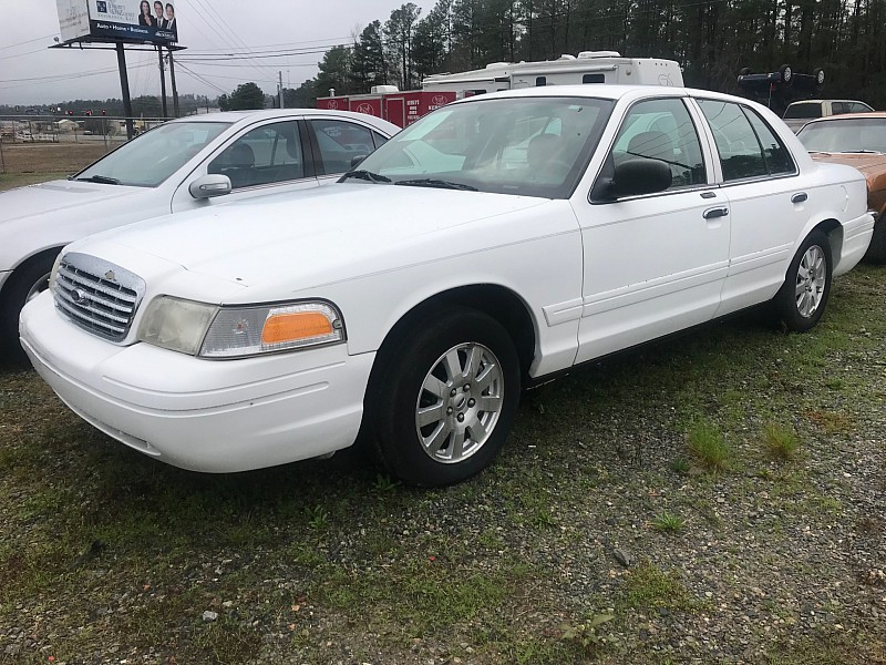Used 2008  Ford Crown Victoria 4d Sedan LX at One Stop Auto Sales near Macon, GA
