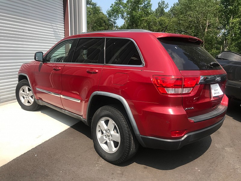 Used 2011  Jeep Grand Cherokee 4d SUV 2WD Laredo at One Stop Auto Sales near Macon, GA