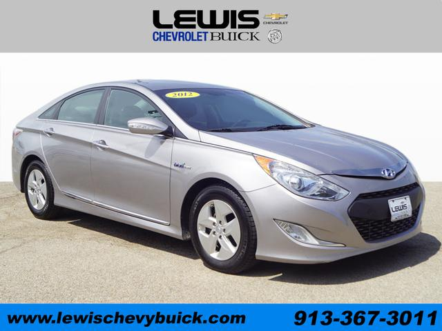 Used 2012  Hyundai Sonata Hybrid 4d Sedan at Drive Now Kansas near Atchison, KS