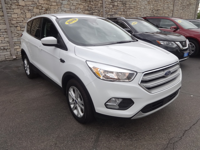 Used 2019  Ford Escape 4d SUV FWD SE at Rose Automotive near Hamilton, OH