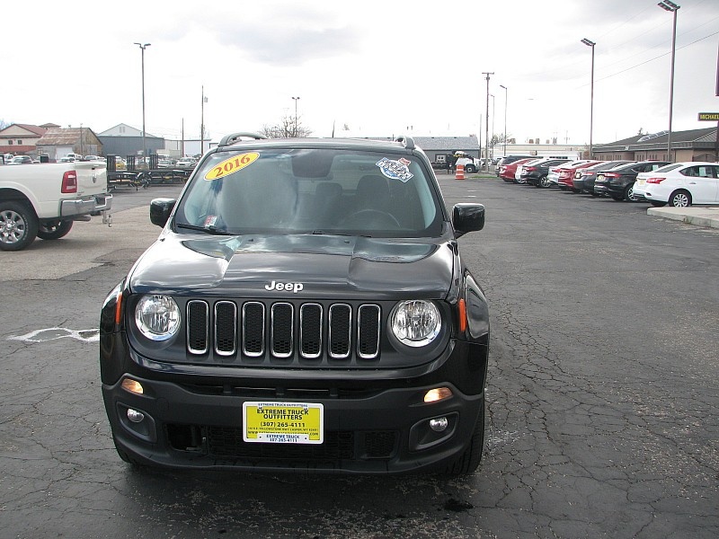 Used 2016  Jeep Renegade 4d SUV 4WD Latitude at Extreme Truck Outfitters near Casper, WY