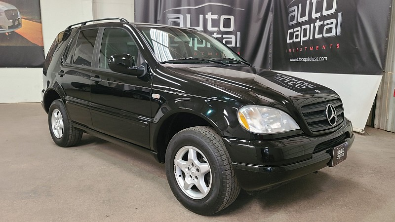 Used 2000  Mercedes-Benz M-Class 4d SUV ML320 at Auto Capital Stockyards near Forth Worth, TX