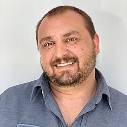 Aaron Weichbrodt